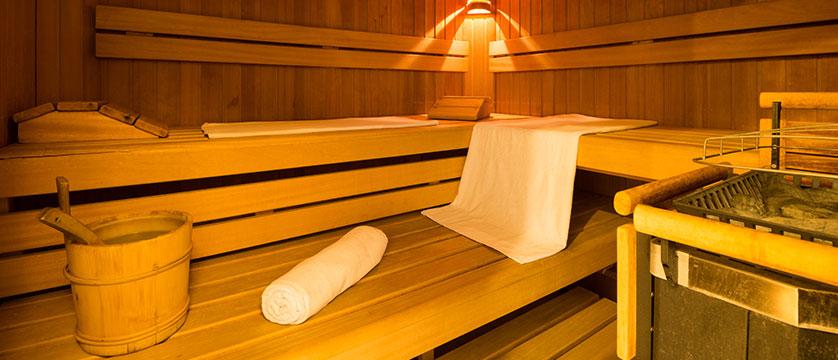 Chalet Hotel Elisabeth, Lech, Austria - sauna.jpg